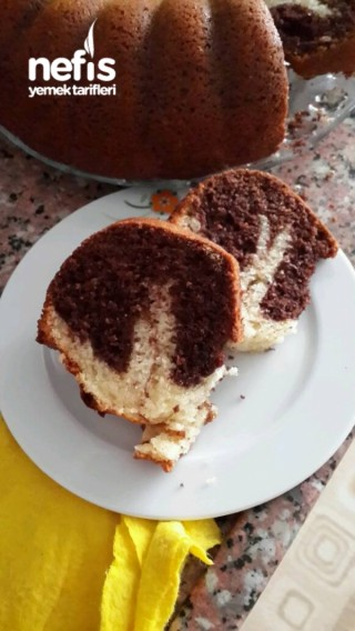 Sade Ve Kakaolu Kek