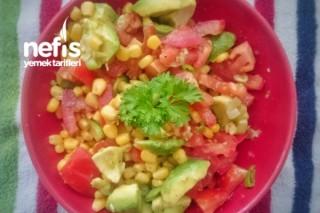 Mısırlı Avokado Salatası Tarifi