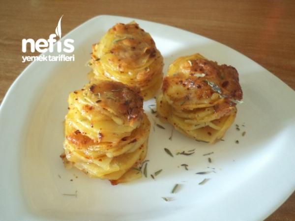 Muffin Kalıbında Kaşarlı Patates