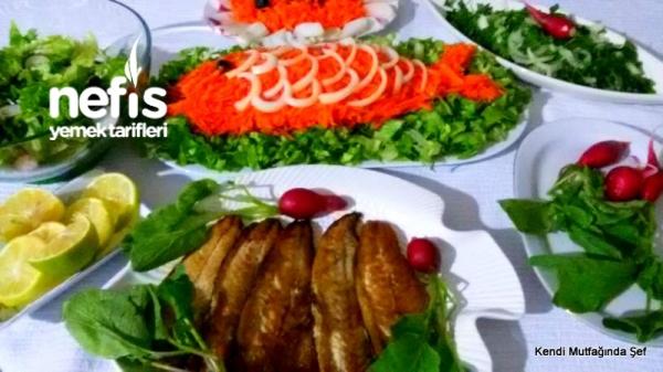 Balık Kızartma ve Balık Resimli Havuçlu Salata Tarifi