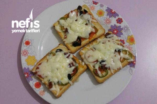 Tost Ekmeğiyle Pratik Pizza