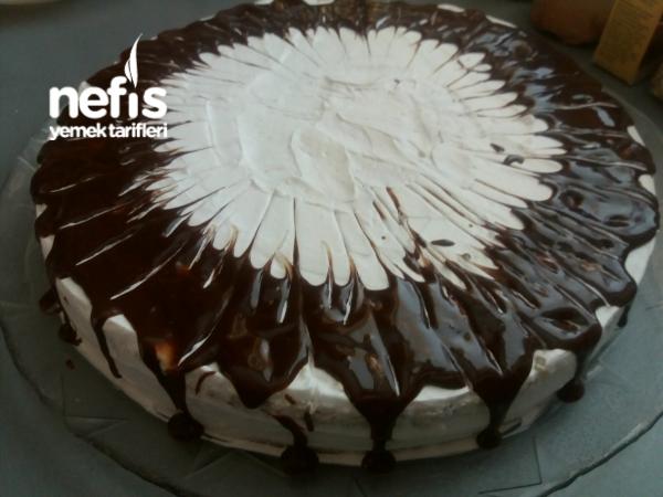 Kum Pastası ( Pesak Torta )