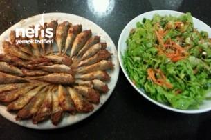 İstavrit Tava Ve Turplu Yeşil Salata Ayrılmaz İkili Tarifi