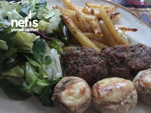 Fırında Pratik Köfte Ve Patates