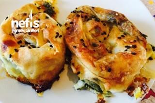 Ispanaklı Peynirli Yufka Böreği Tarifi