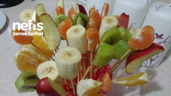 Renkli Meyve Sunumum
