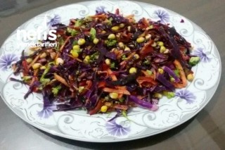 Bol Vitaminli Kış Salatası Tarifi