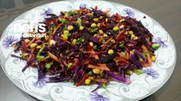 Bol Vitaminli Kış Salatası