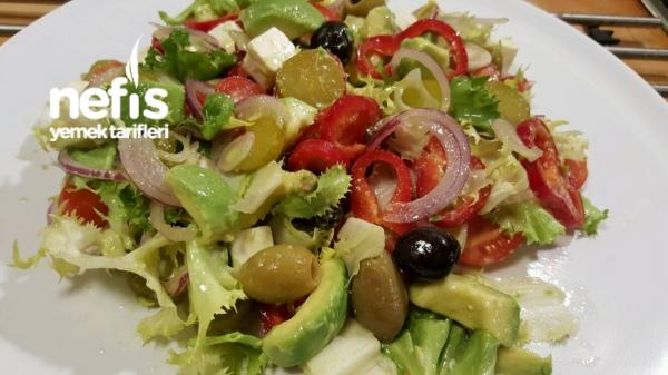 Avocado Salatasi