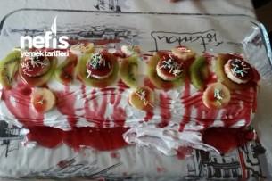 Meyveli Rulo Pasta (20 Yıllık Tarif) Tarifi
