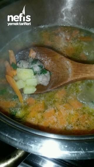 Sebzeli Köfte Çorbası (terbiyeli)