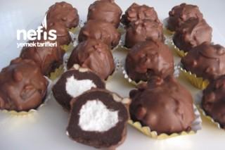 Şanti Dolgulu Çikolatalı Kek Topları Tarifi