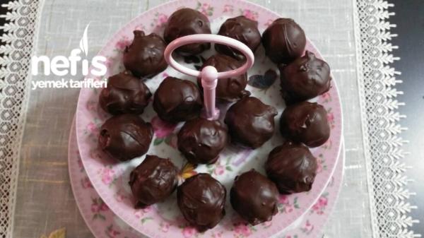 Üç Malzemeli Çikolata Topları