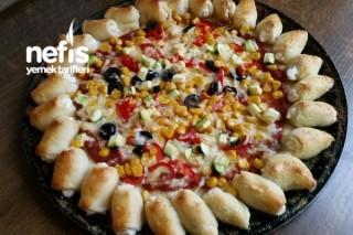 Kenarı Dolgulu Çiçek Pizza Tarifi