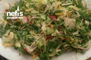 Dolapta Ne Varsa Salatası Tarifi