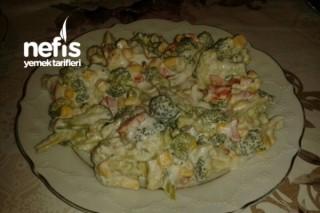Nefis Mayonezli Brokoli Salatası Tarifi
