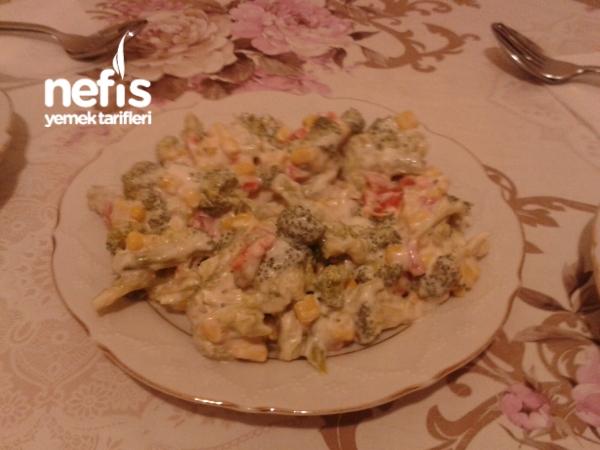 Nefis Mayonezli Brokoli Salatasi
