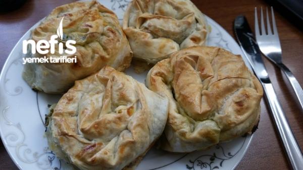 Pırasa-ıspanak-peynirli Gül Böreği