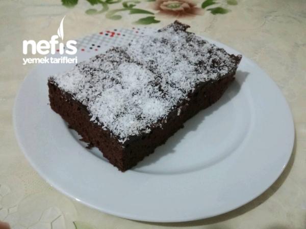 Yumuşacık Pudingli Kakaolu Kek