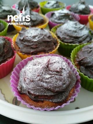 Sürpriz Çikolatalı Muffin
