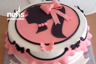Genç Kızlar İçin Doğum Günü Pastası (Şeker Hamurlu) Tarifi