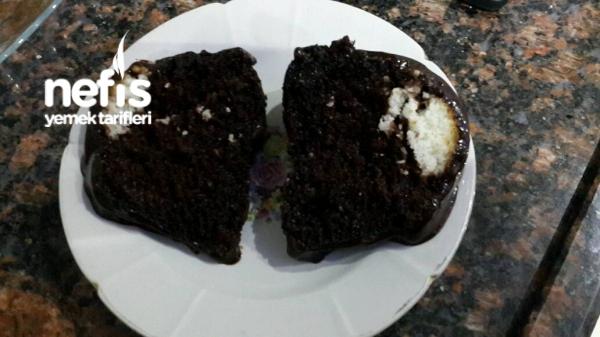 Unsuz Hindistan Cevizi Dolgulu Çikolatalı Kek