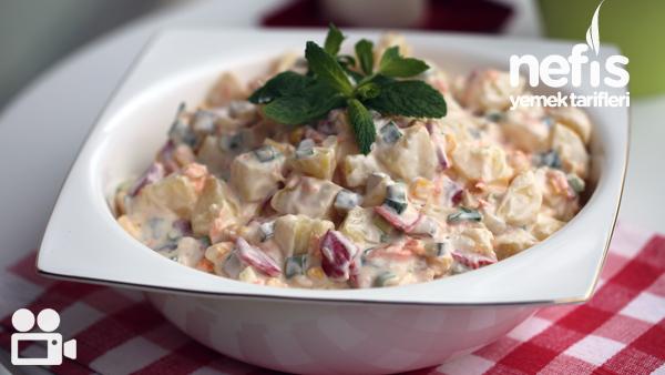 Köz Biberli Yoğurtlu Patates Salatası Tarifi