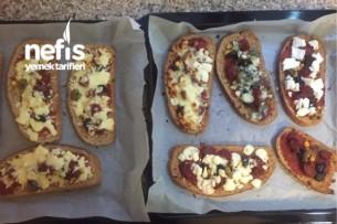 Pizza Tadında Nefis Ekmek Dilimleri Tarifi