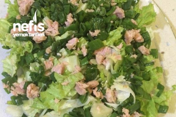 Ton Balıklı Marul Salatası