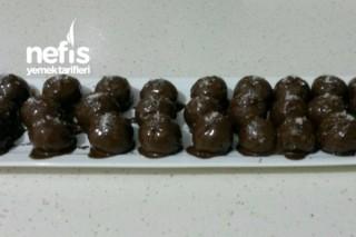 Bisküvili Çikolata Topları Tarifi