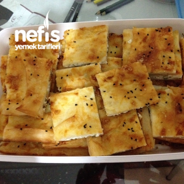 Nefis Tepsi Böreği