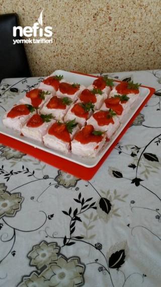 Porsiyonluk Çilekli Pasta