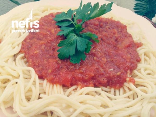 İtalyan Soslu Spagetti (Spaghetti Napoletana)