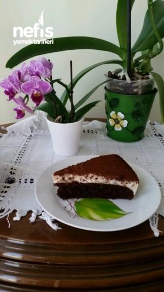 Kek Tabanlı Tramisu