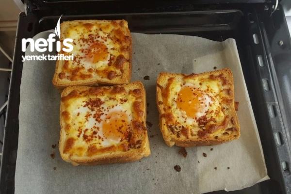 Tost Ekmeği Yuvasında Harika Bir Kahvaltılık Tarifi