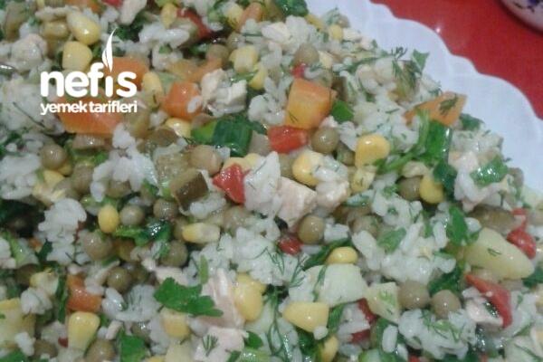 Rengarenk Tavuklu Çin Salatası (Pirinç Salatası) Tarifi
