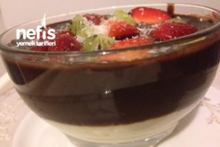 Çikolatalı Meyveli İrmik Tatlısı Tarifi