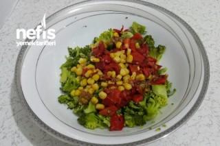 Köz Biberli Brokoli Salatası Tarifi
