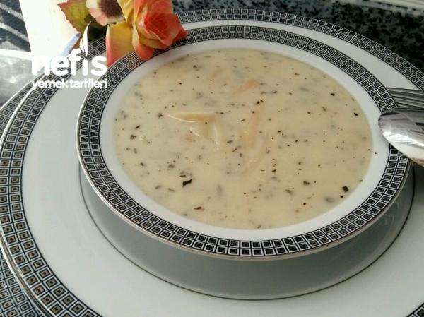 Yoğurtlu Erişte Çorbası