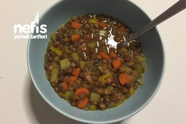 Zeytinyağlı Sebzeli Mercimek Yemeği Tarifi
