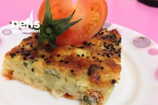 Patatesli Peynirli Soğanlı Enfes Kek Tarifi