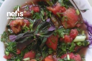 Domates Turşulu Salata Tarifi