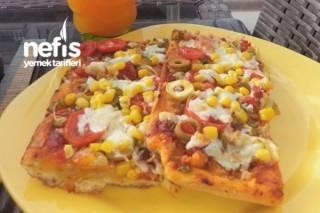 Evde Pratik Lezzetiyle Pizza Tarifi