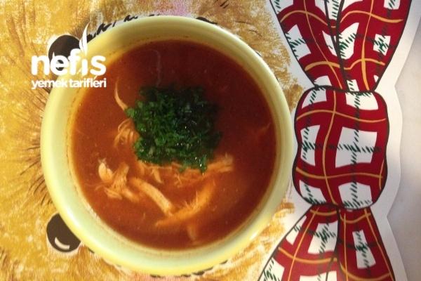 Domatesli Nohutlu Tavuk Çorbası (Hasta Çorbası)