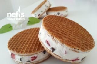 Çilekli Sandviç Dondurma Tarifi