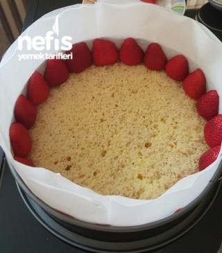 Çilekli Pasta (yok Böyle Lezzet)