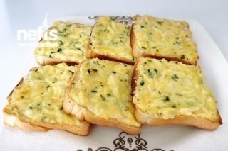 Kahvaltılık Peynir Soslu Ekmekler Tarifi