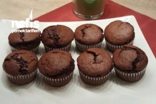 Kakaolu Yumaşacık Muffinler Tarifi
