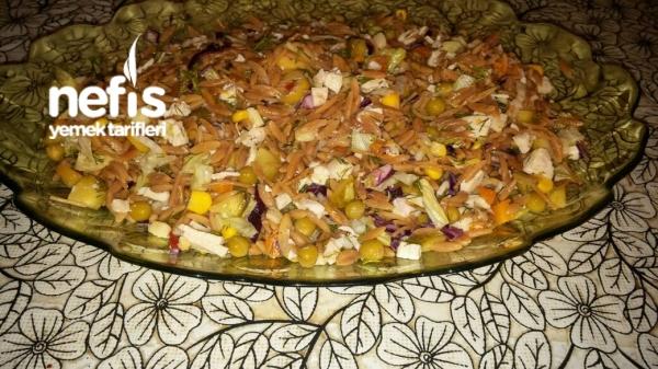 Şehriyeli Tavuk Salatası