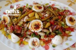 Acılı Kuru Fasulye Salatası Tarifi